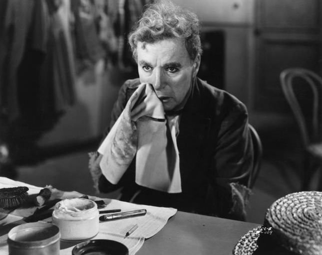 Charlie Chaplin em cena do filme Limelight (Luzes da Ribalta)